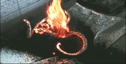 重铬酸钠受热分解效果图
