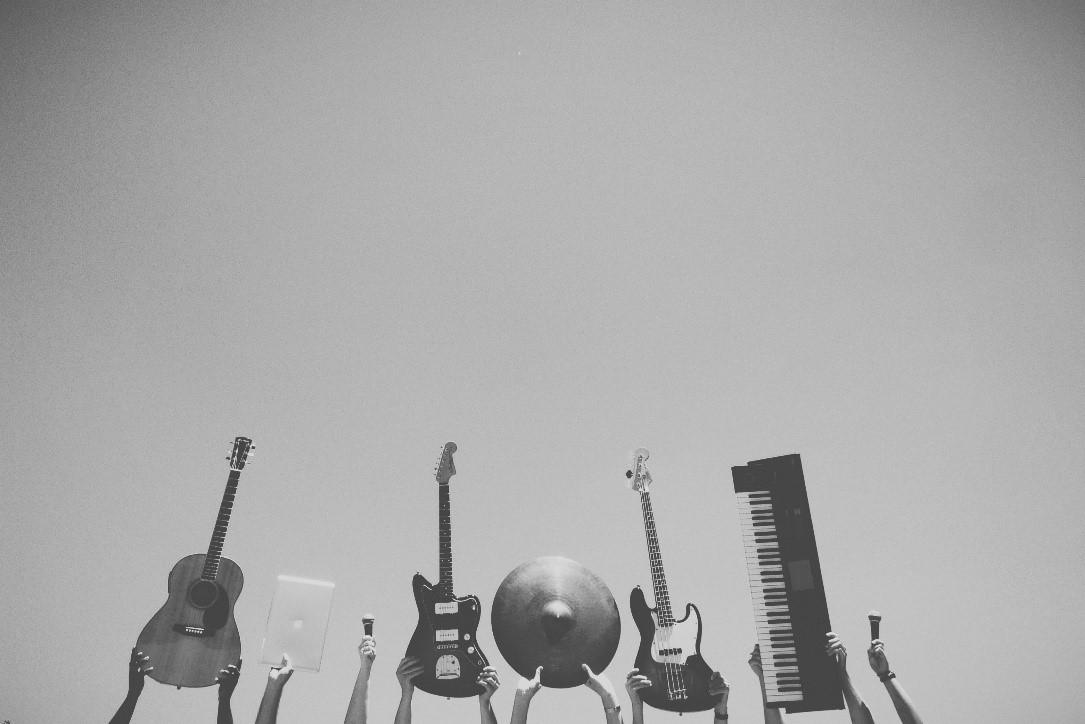 不同吉他和其他乐器