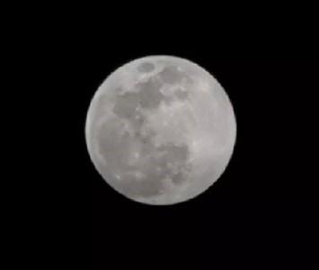 手机拍月亮